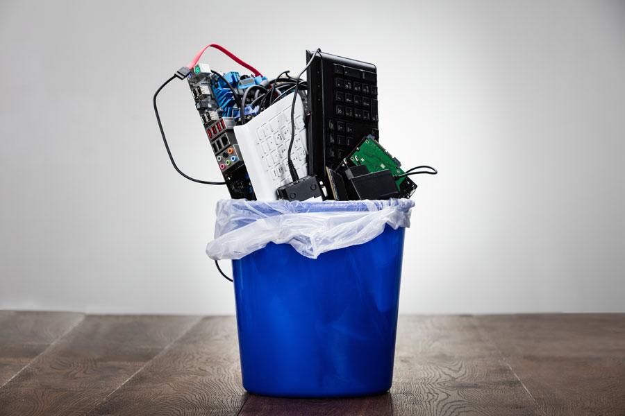 Come smaltire correttamente i rifiuti elettronici