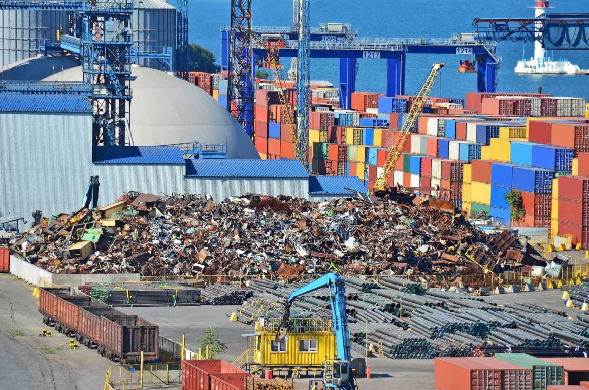 Servizi portuali: la gestione dei rifiuti speciali